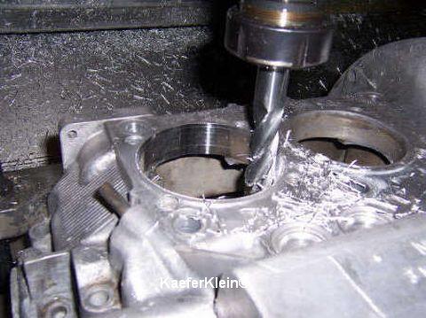 Motorgehäuse Zylinderanlageflächen planen und aufbohren