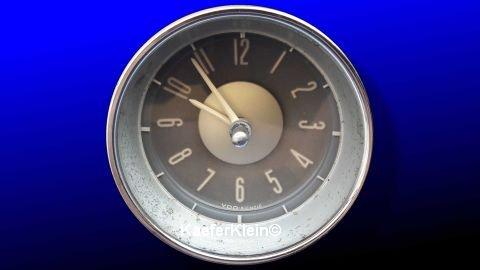 Typ3 KIENZLE Uhr, 12-Volt, weiße Zeiger, graues Zifferblatt, Einbaumaß ca. 85 mm, Teilenr. 311919203A, orig. VW, made in GERMANY